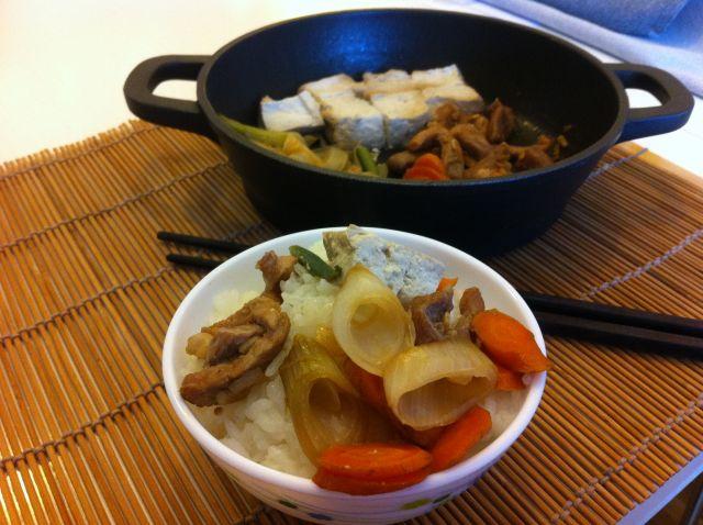 niku-dofu-sa-porcijom-rize