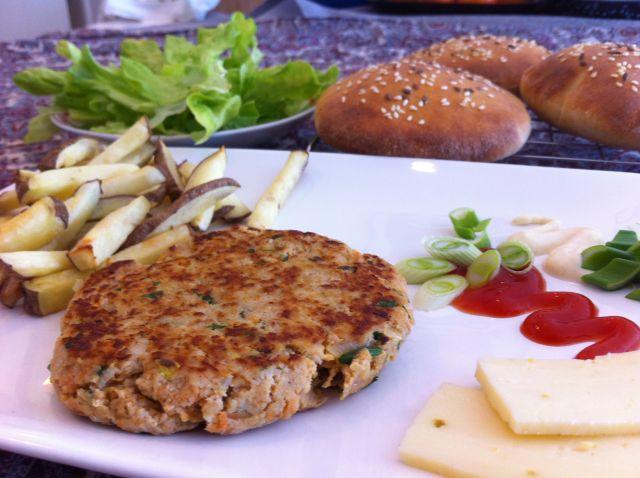 posluženi hamburger odrezak