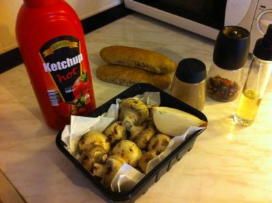 gljive, kečap, začini