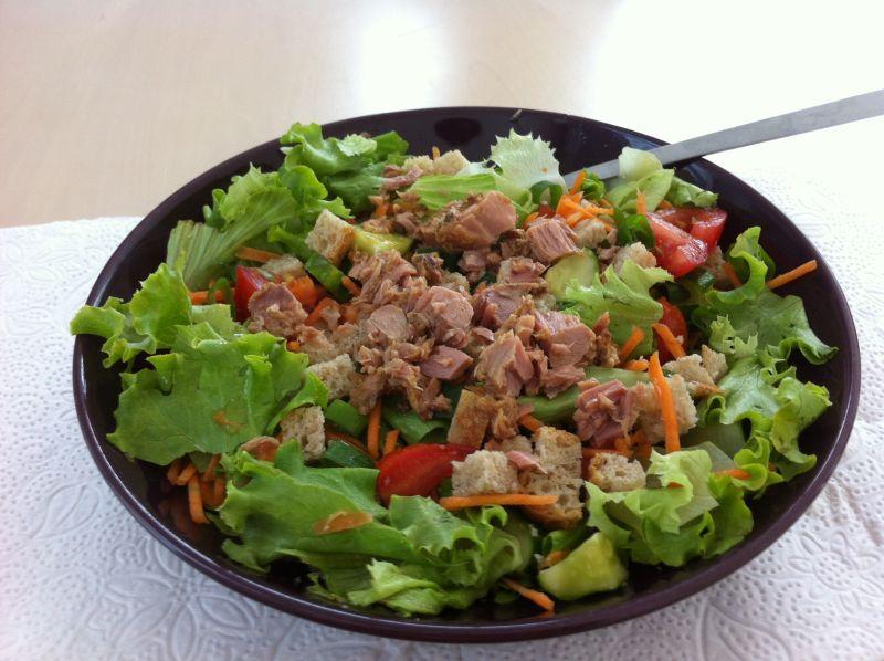 Salata od kruha stunom