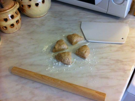 parata-s-krumpirom-_podijeliti-tijesto