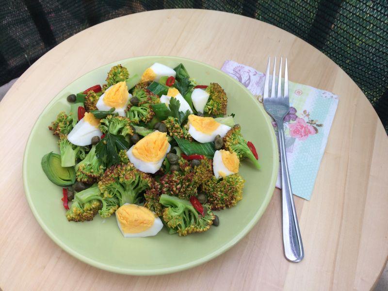 Salata od brokule i jaja_porcija