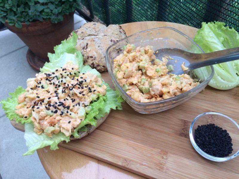 Salata od slanutka_porcija i pol