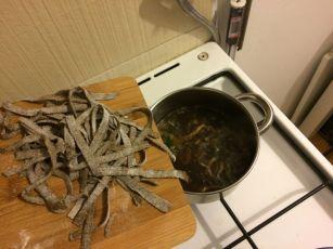 Miso i konoplja_juha i rezanci