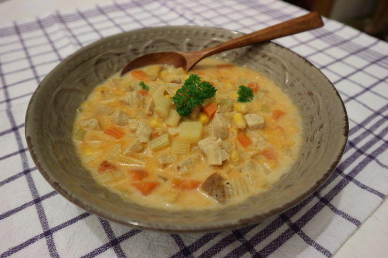 Krem juha od puretine skukuruzom