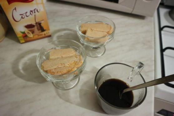Višnja tiramisu_kava