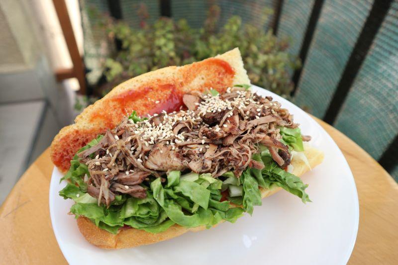 Vucena svinjetina_sendvic