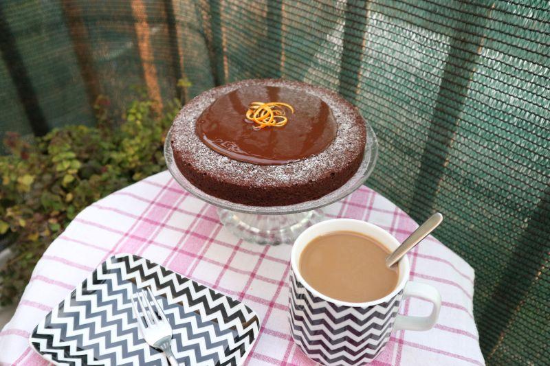 Cokoladna torta od narance_posluzena