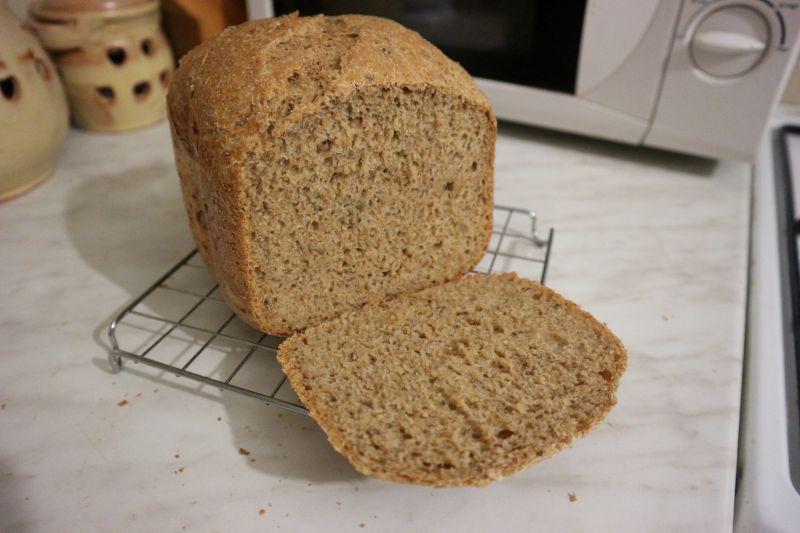 Razeni kruh sa sjemenkama_prva snita