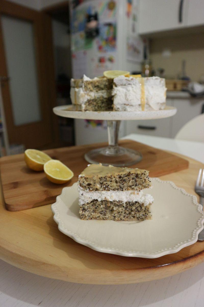 Torta s makom_naslovna