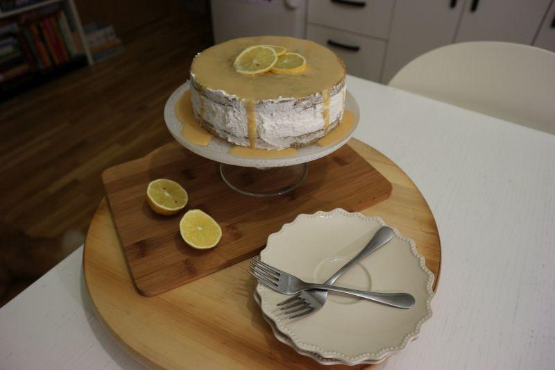 Torta s makom_posluženo