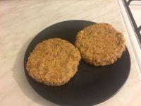 Burger od graha i sojinih komadica_burgeri
