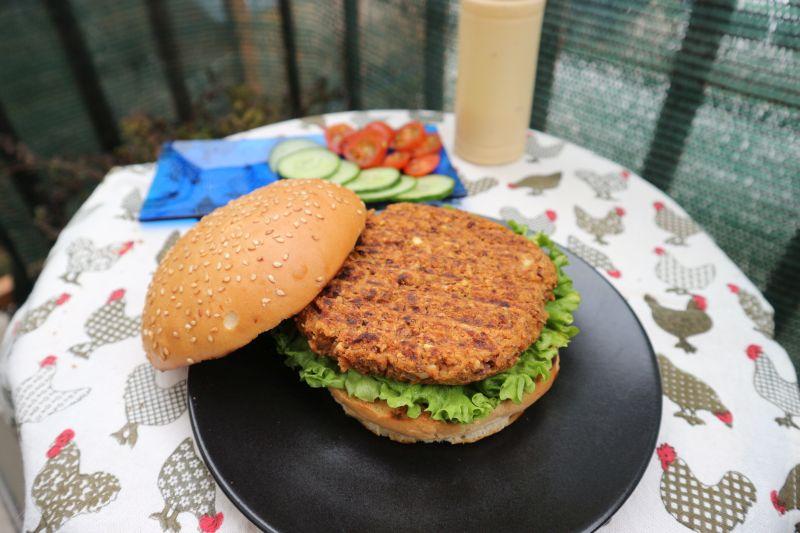 Burger od graha i sojinih komadica_slaganje