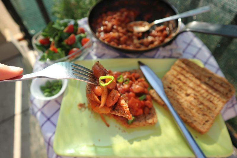 Grah na tostu_zalogaj