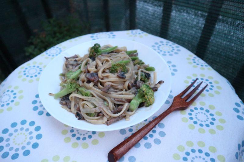 Kremasta tjestenina s gljivama_naslovna