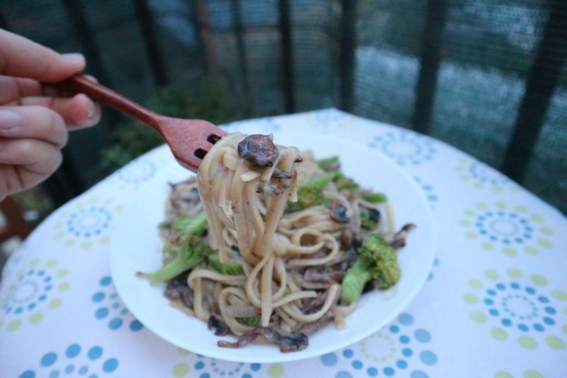 Kremasta tjestenina s gljivama_zalogaj