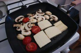 tofu gril sendvič_grilanje1