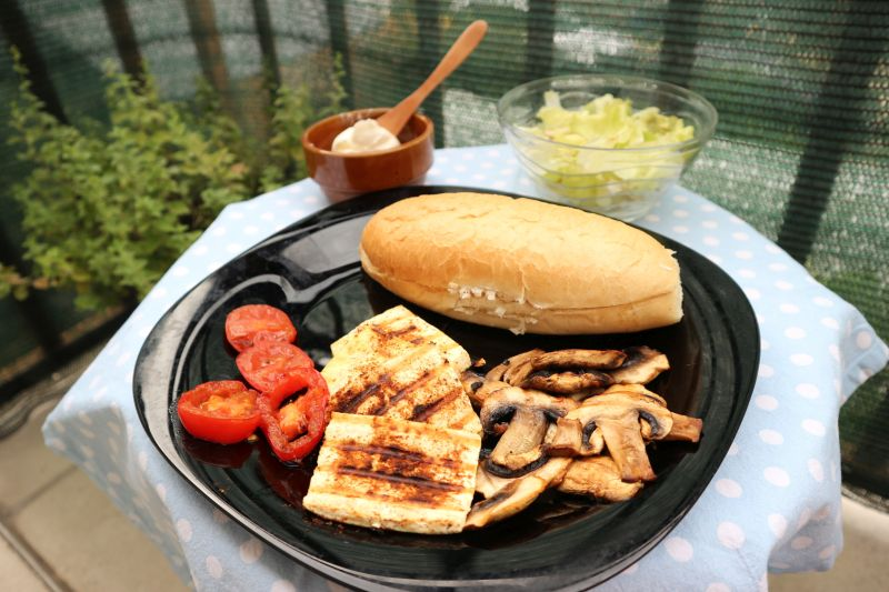tofu gril sendvič_posluženo
