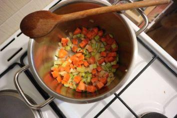 Krem juha od krumpira s hrenom_mirepoix