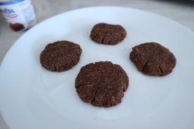 Kokos keksici iz mikrovalne_prije