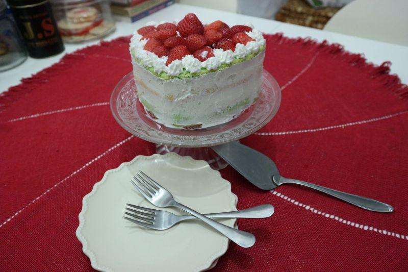 torta sir jagode_posluzeno