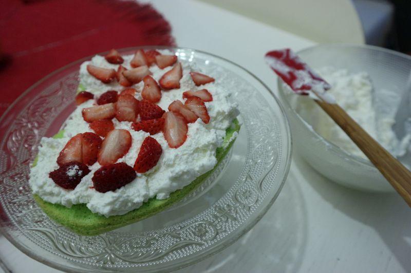 torta sir jagode_slojevi