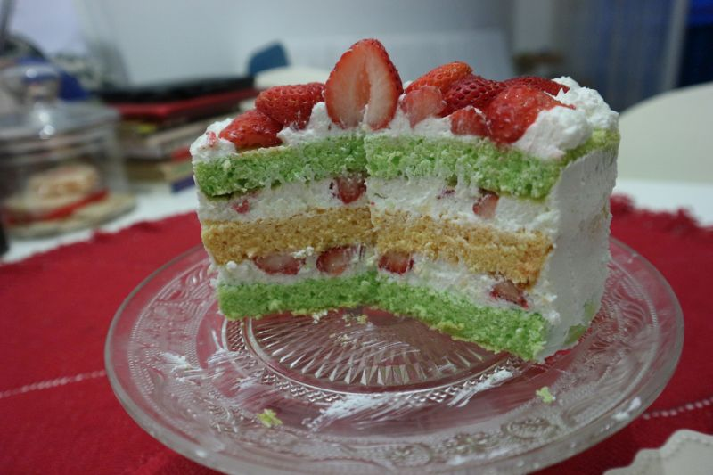 torta sir jagode_slojevi2