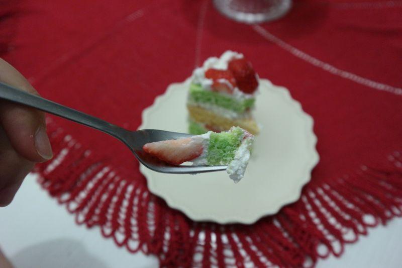 torta sir jagode_zalogaj