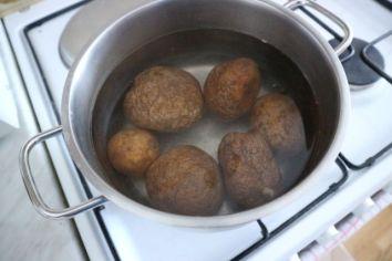 salata od krumpira i leće_krumpiri