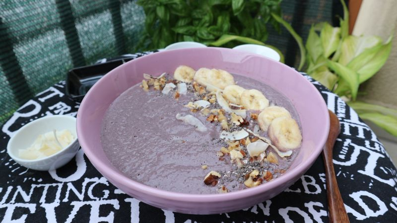 Frape u zdjelici (smoothie bowl) odtikvice