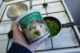Ustipci s graskom_green curry paste