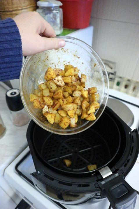 Krumpiri iz air fry friteze_usipati