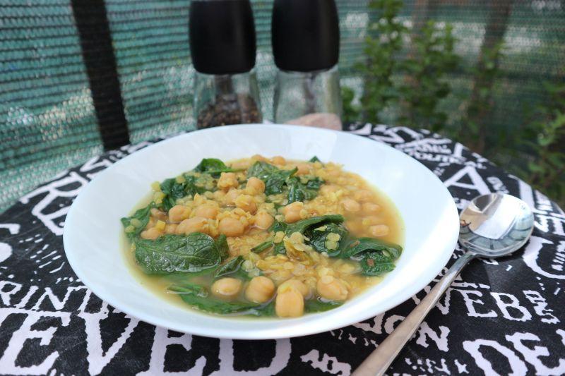 Gusta juha od leće i slanutka sa sjemenkamagorušice