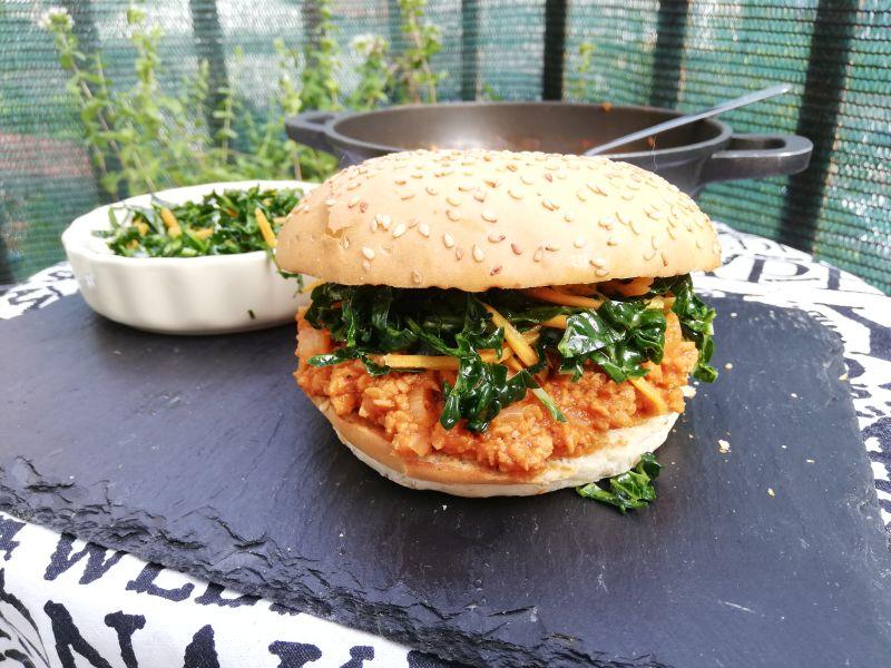 Veganski sendvič sa rasipanim mesom (SloppyJoe)